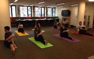 instant yoga cours de yoga pour entreprise travail social