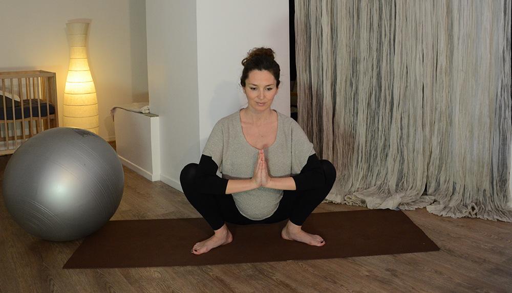 caroline suzuki professeur yoga posture